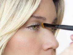 Eyeliner bianco, segreto per truccare occhi piccoli