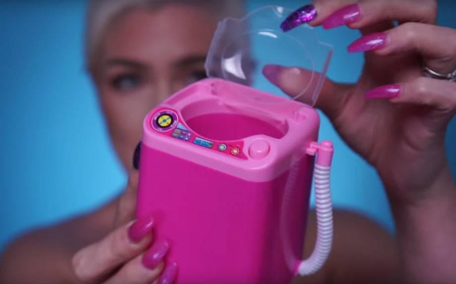 Mini lavatrice giocattolo per pulire la beauty blender