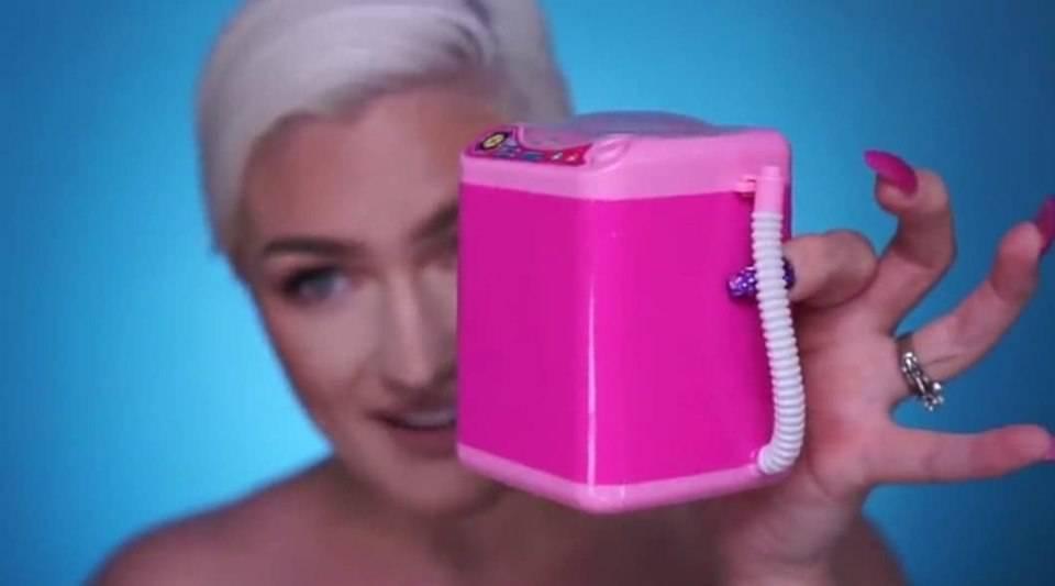 mini lavatrice per beauty blender