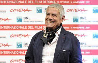 Addio a Raffaele Pisu: il comico e conduttore radiofonico – VIDEO
