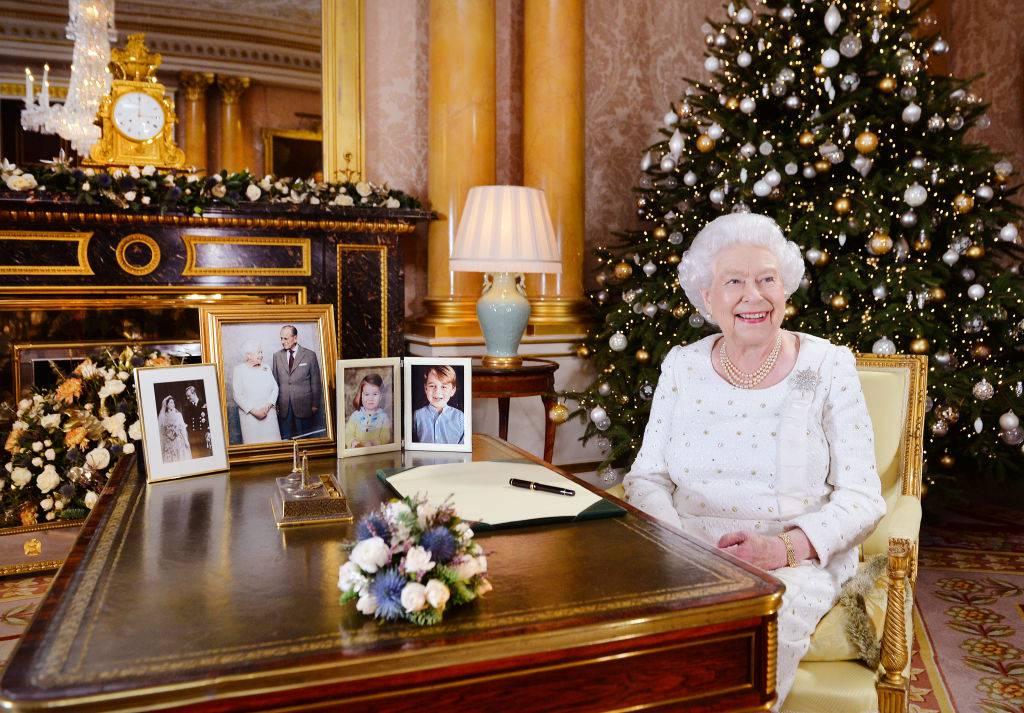 Elisabetta II e la servitù