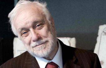 Luciano De Crescenzo: l'ingegnere filosofo si è spento a 90anni – Video