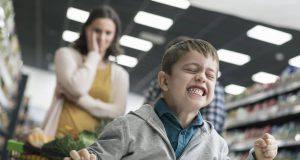 Bambini sempre più maleducati, ecco i 5 motivi