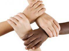 Viaggiare combatte il razzismo
