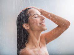 Come idratare la pelle sotto la doccia