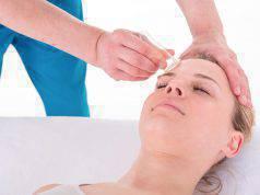 Facial cupping, cosa è la coppettazione viso e come funziona