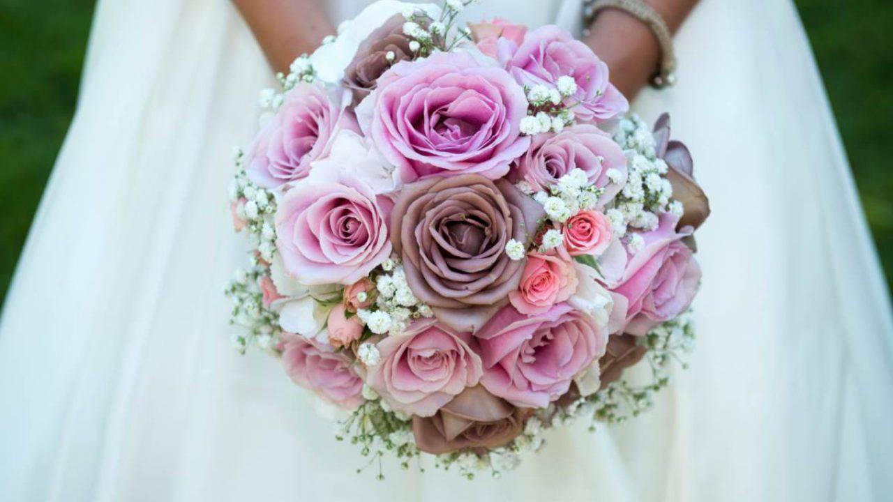 Bouquet Sposa Estate.Bouquet Da Sposa Come Sceglierlo In Base Alla Stagione