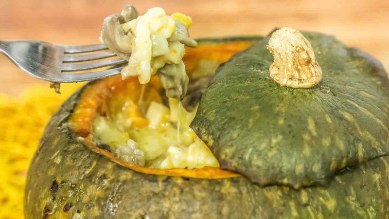 cucina sana: zucca ripiena con funghi e patate dolci