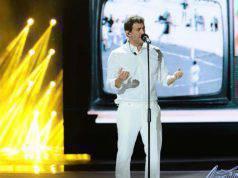 Ciro Ferrara si esibisce