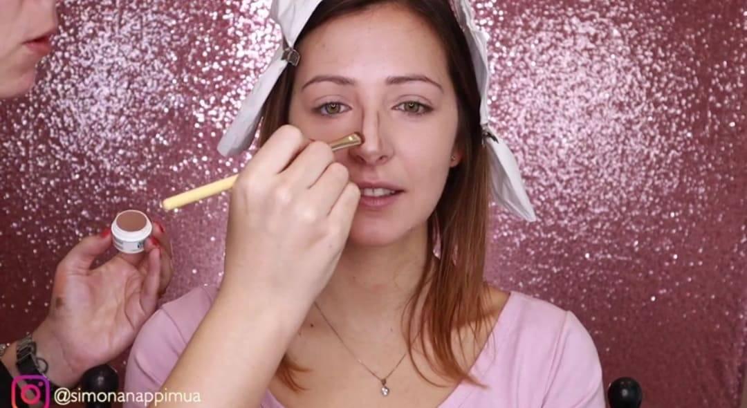 Makeup: come mimetizzare naso aquilino