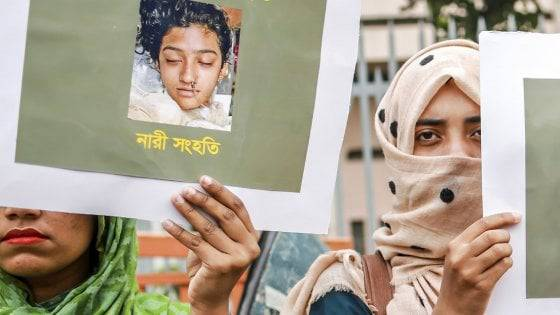 studentessa bruciata viva in Bangladesh
