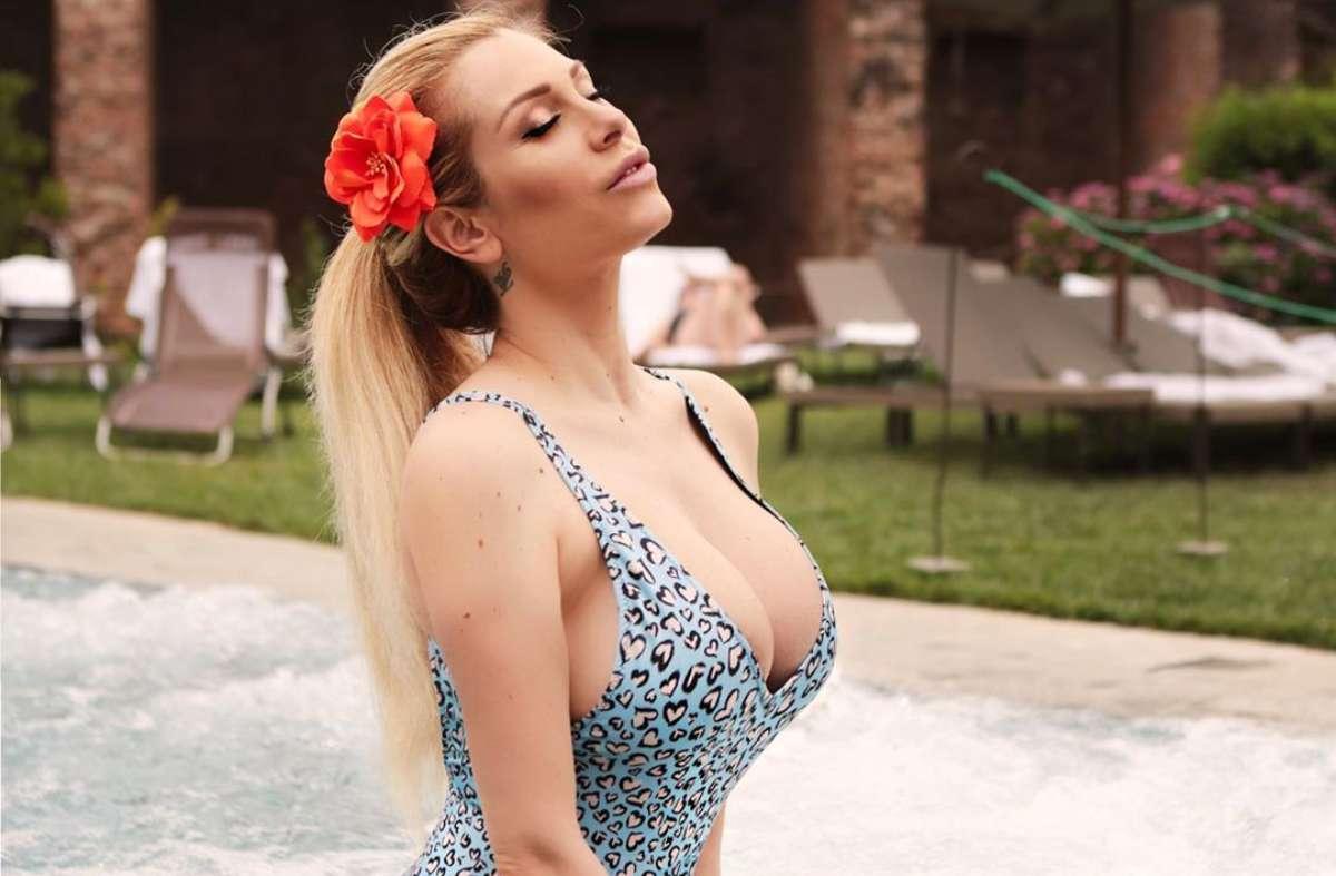 Paola Caruso in piscina