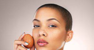 albume d'uovo alleato della pelle