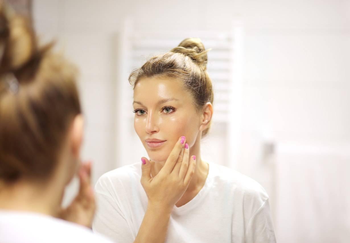 Siero viso: i motivi per utilizzarlo al posto della crema