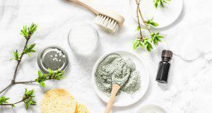 Tea tree oil nella skin care per pelli grasse