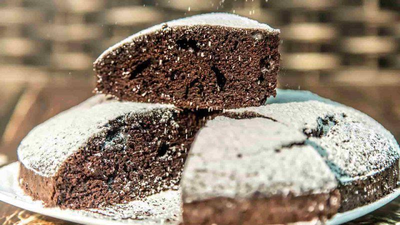 Cucina sana: crazy cake senza burro, latte, uova e lievito
