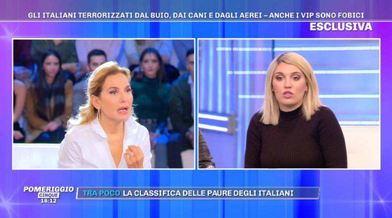 Barbara d'Urso ascolta Veronica Satti