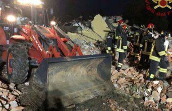 Alessandria, esplode cascina disabitata: tre pompieri perdono la vita, paura fra i residenti