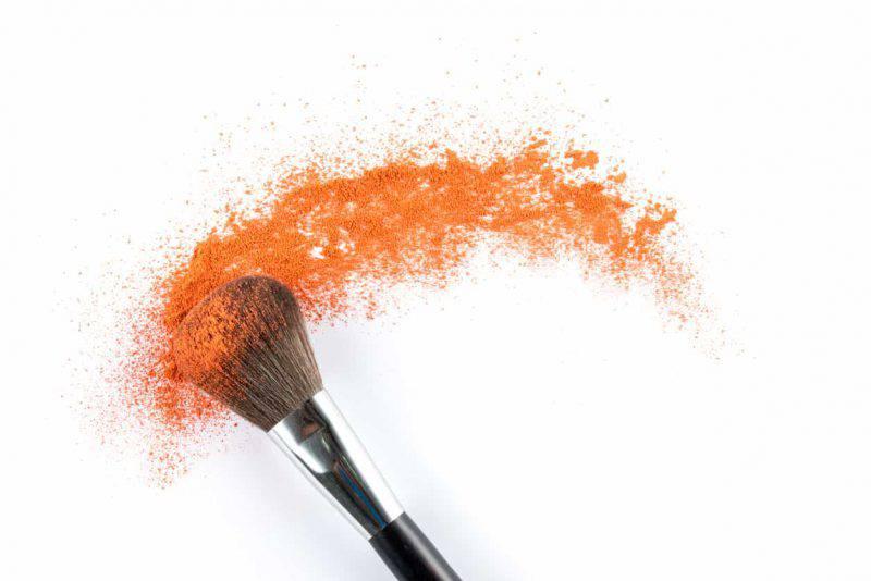 Arancione, il colore makeup dell'inverno