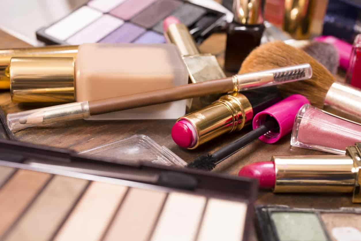 makeup | 5 prodotti che non dovresti mai condividere con un'amica