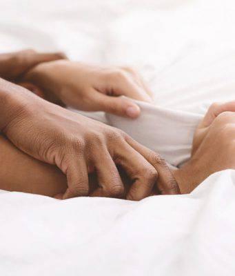 Rapporti sessuali: le migliori posizioni in caso di dolore