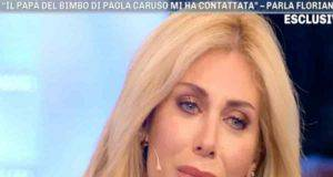 paola caruso piange in diretta il web attacca