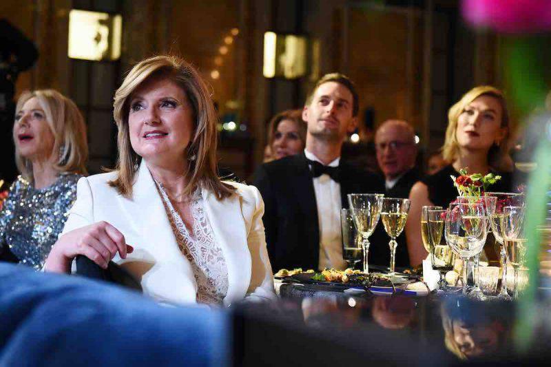 Karlie Kloss ad una cena di gala