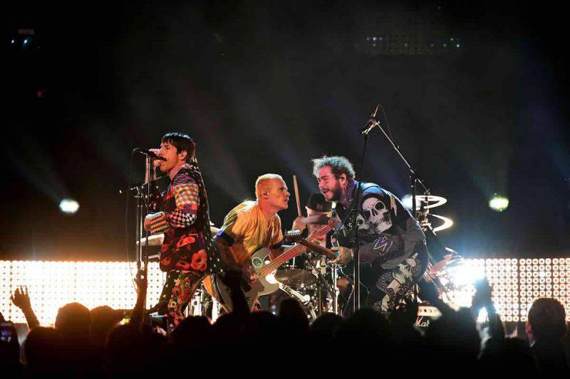 Red Hot Chili Peppers annunciano un grande ritorno