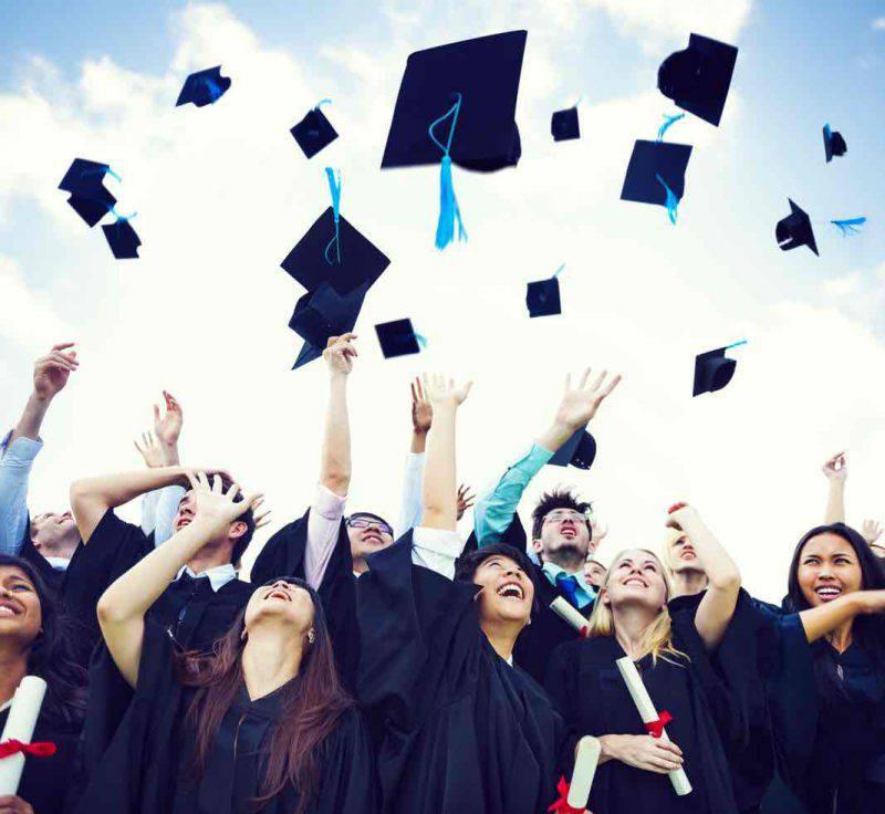Studenti sempre più spesso in viaggio dopo il diploma