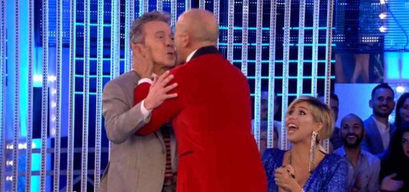 Alfonso Signorini bacio Pupo