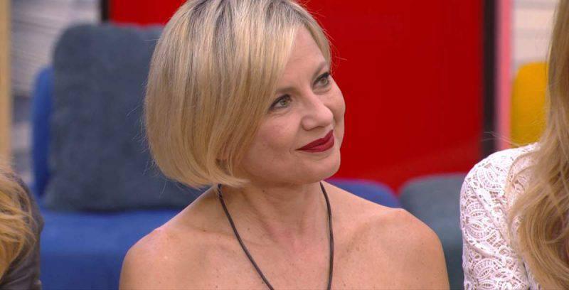GF Vip, Antonella Elia gaffe con la Marini