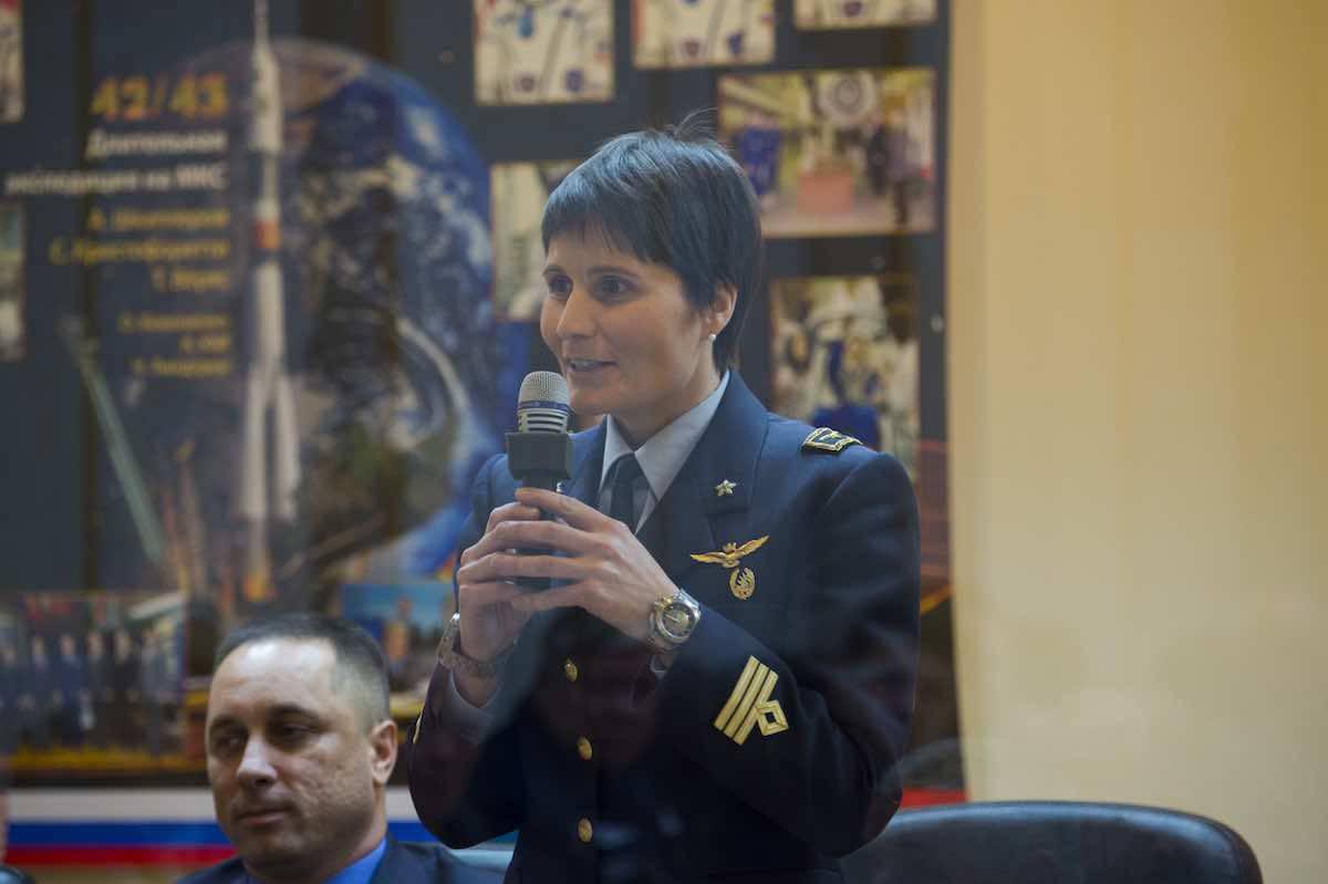 Samantha Cristoforetti via dall'Aeronautica Militare
