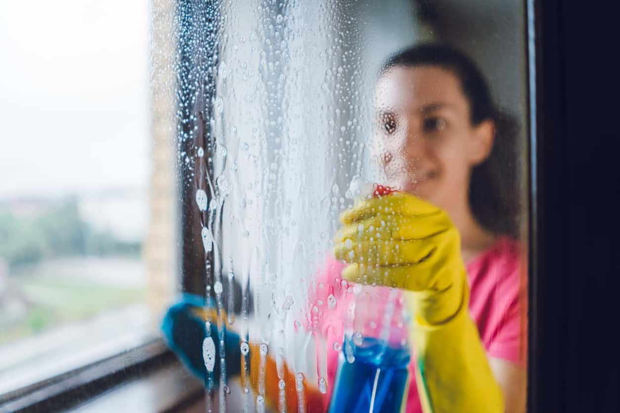 20 errori che tutti compiamo nelle pulizie di casa