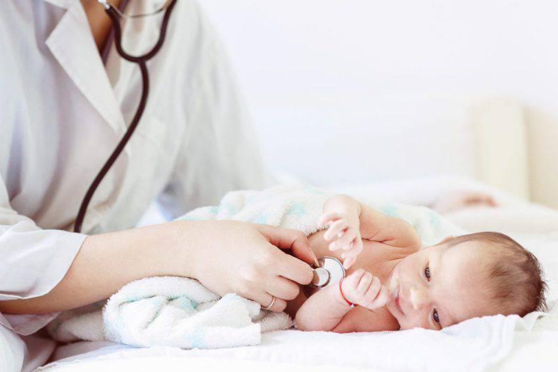 neonato e dottore