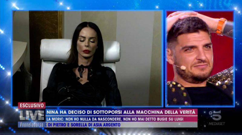 Nina Moric collegata a Live Non è la d'Urso