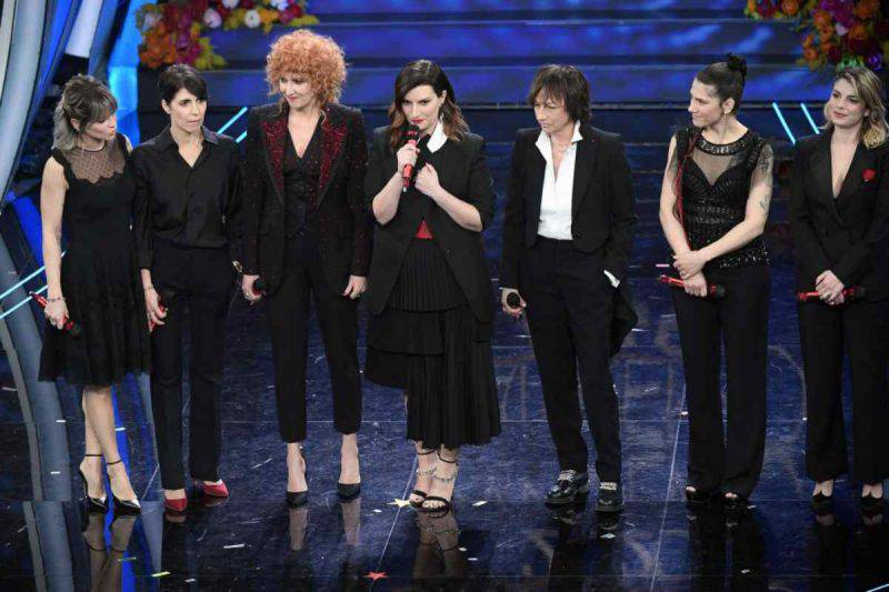 7 artiste sul palco di Sanremo