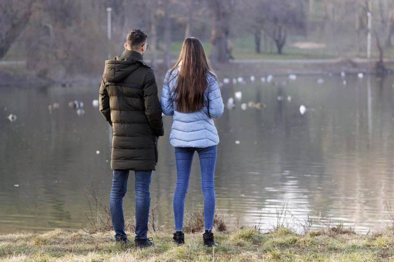 coppia gita lago