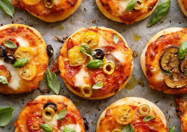 Pizza brioche in tazza al microonde