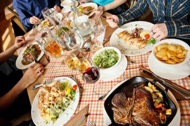 5 cose da non fare dopo aver mangiato