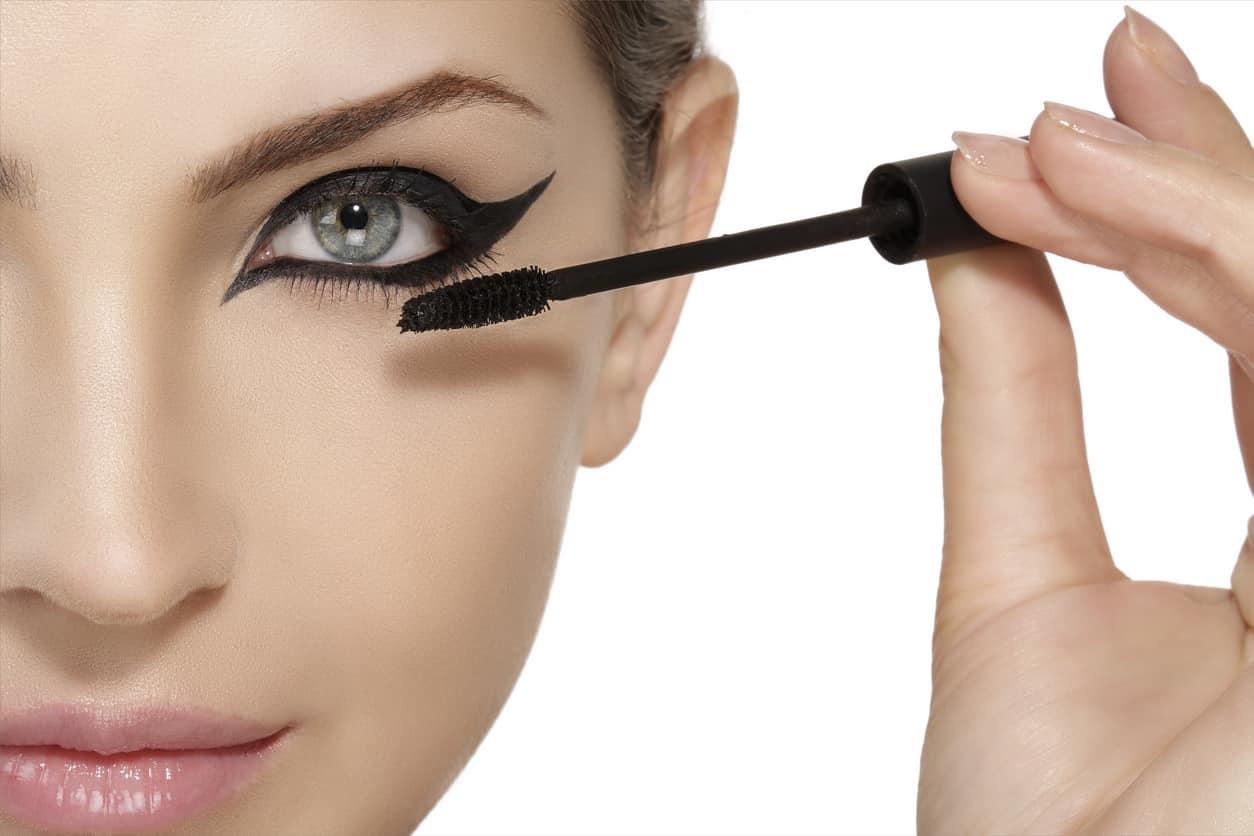 Makeup | come ottenere l'effetto cat eyes -video-