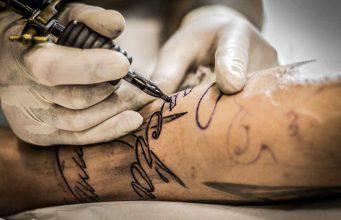 Come scegliere il tatuatore