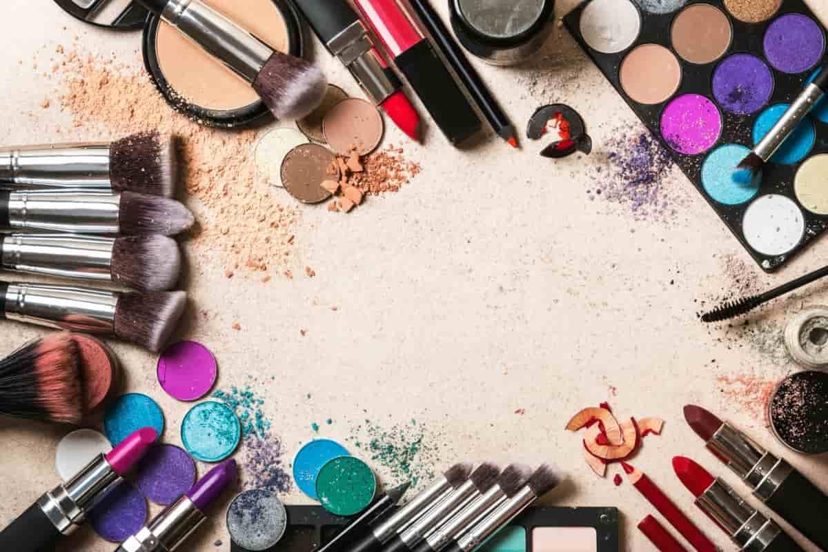 Decluttering   come riciclare i vecchi cosmetici in modo creativo