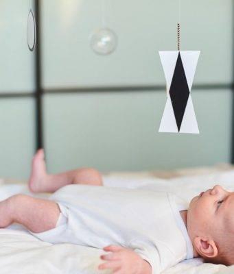 5 attività montessori da fare in casa per bimbi da 0 a 3 anni