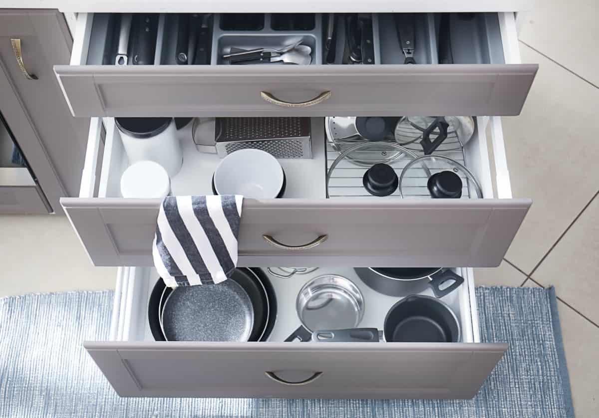 Come pulire la cucina in modo curato e 5 cose da eliminare per averla sempre ordinata