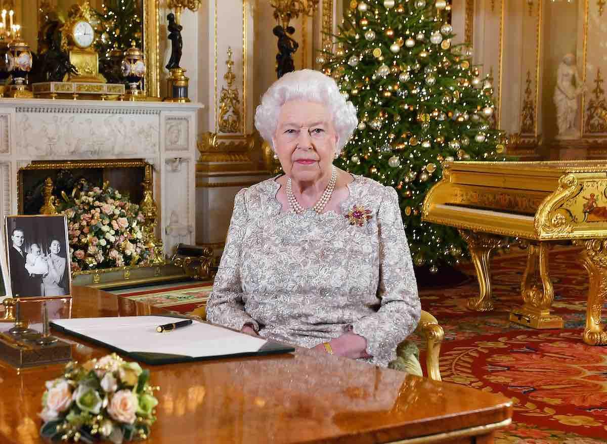 Elisabetta II prende precauzioni contro il Coronavirus