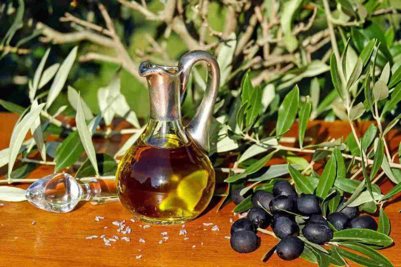 Olio di olive e capelli