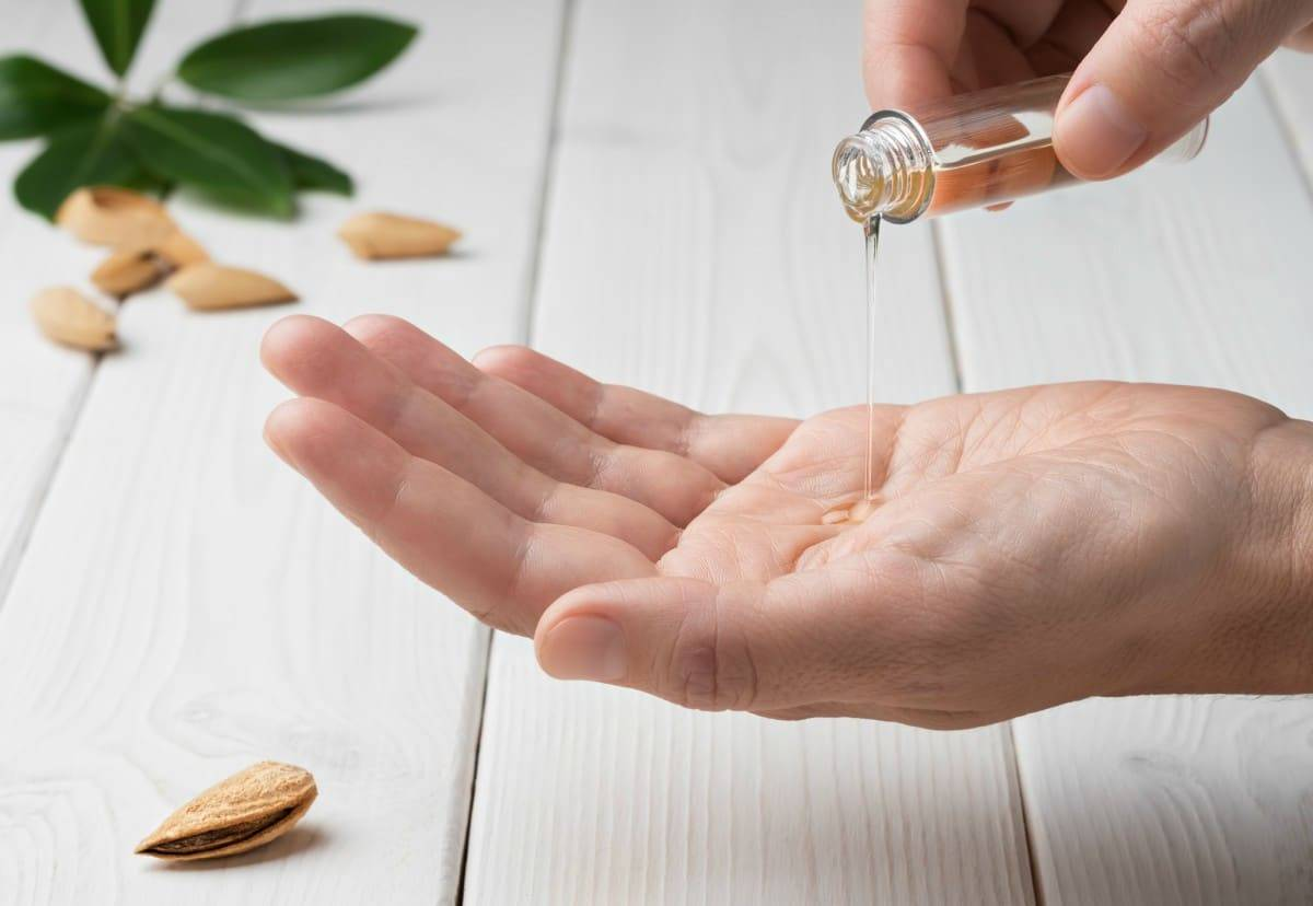olio mandorle dolci 5 trattamenti di bellezza per la pelle