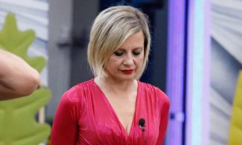 Antonella Elia contro il pubblico