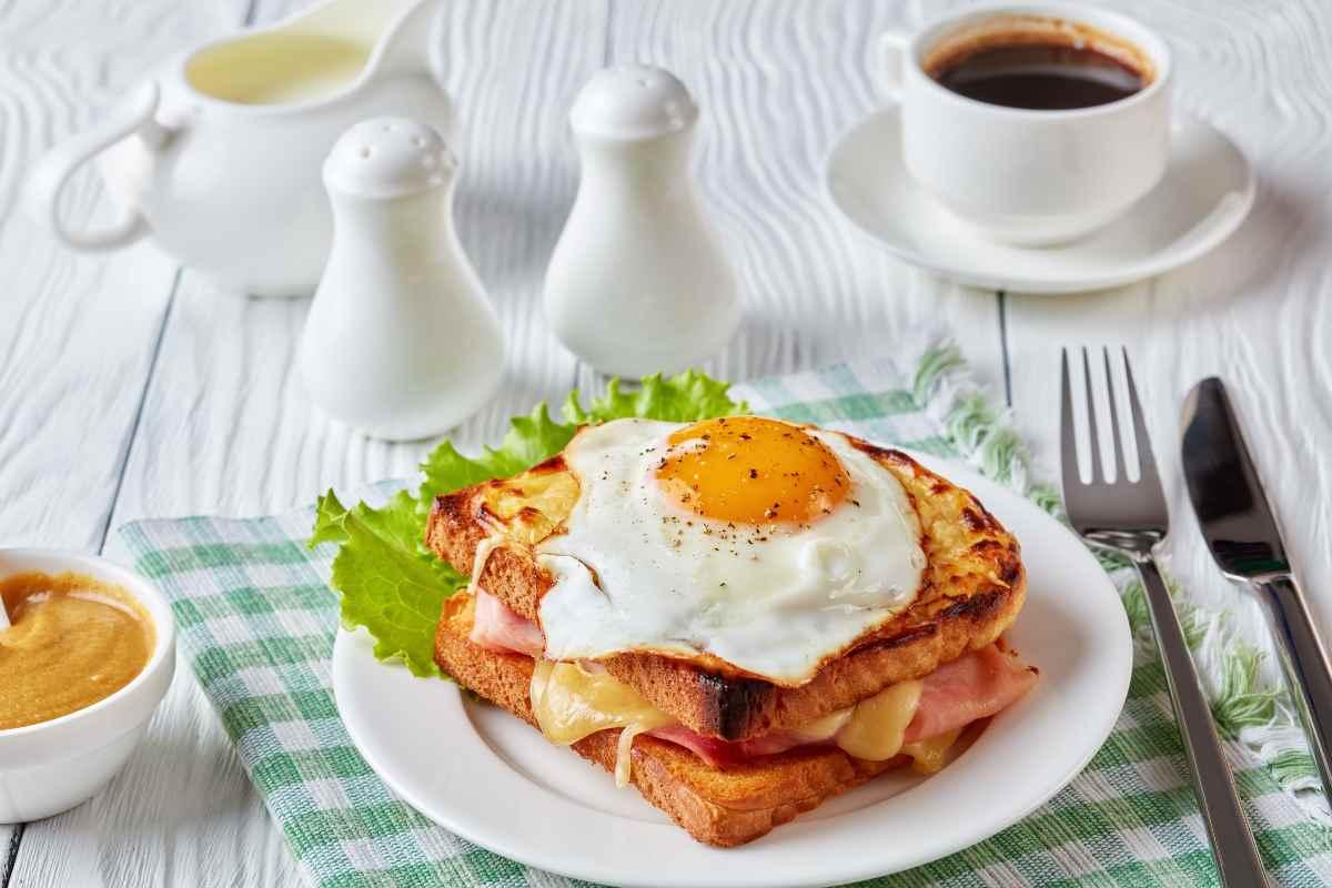 French toast salato con uovo