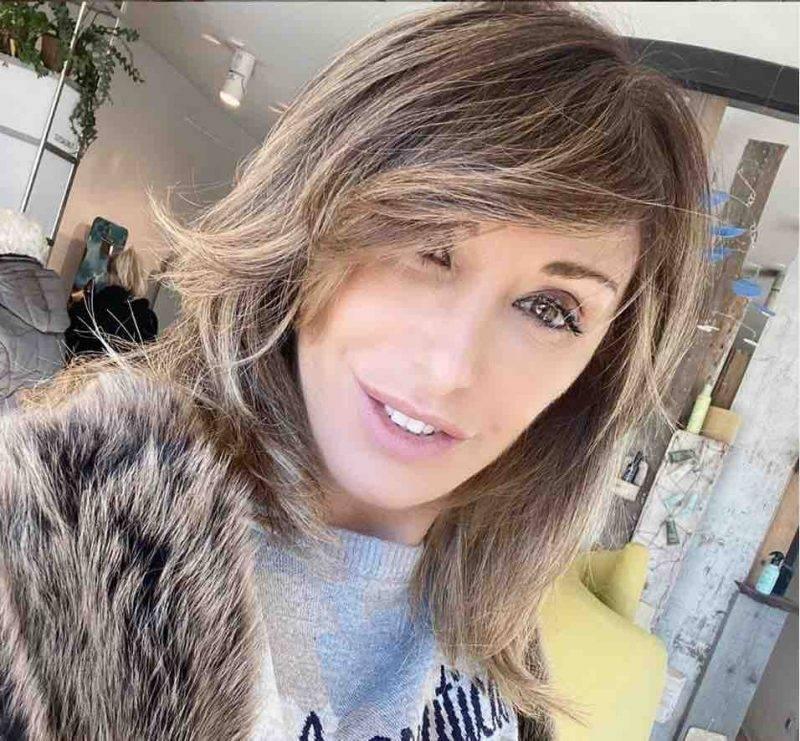 Sabrina Salerno, foto in hotel per conquistare i followers